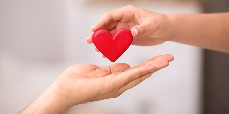 תרשו לעצמכם לחוות את האהבה שבאה מתוך נתינה