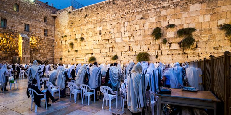 """בנקודה מסוימת בהיסטוריה, הקב""""ה חזה שתהיה לו גאווה עצומה בעם היהודי"""